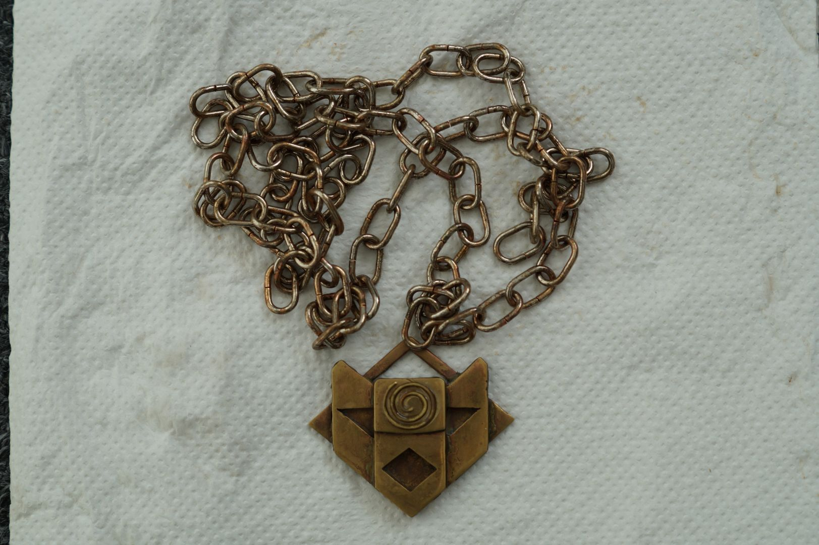 Fate of Atlantis Charm Chain rusted